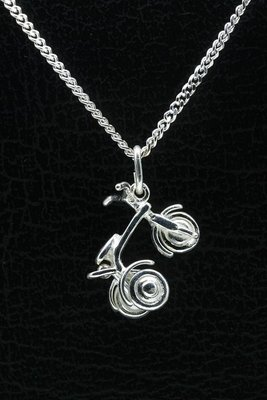 Zilveren Driewieler ketting hanger
