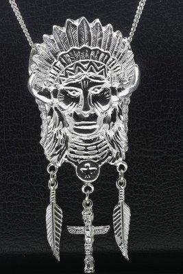 Zilveren Indiaan met veren en totem ketting hanger - XL