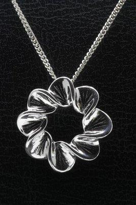 Zilveren Mooye - Bladring ketting hanger