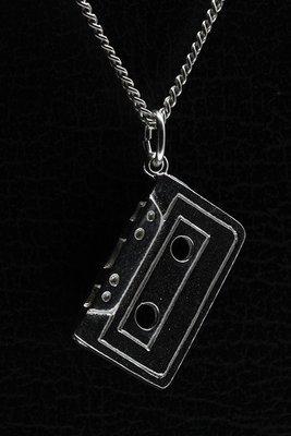 Zilveren Cassettebandje ketting hanger
