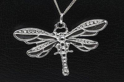 Zilveren Libelle bewerkt XL ketting hanger