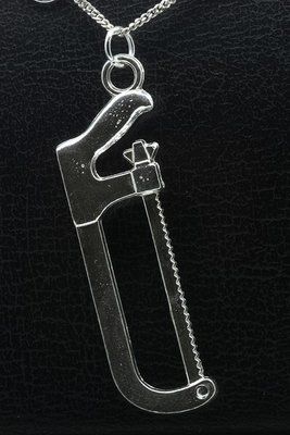Zilveren IJzerzaag XL ketting hanger