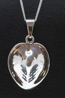 Zilveren Schelp groot hartvorm ketting hanger