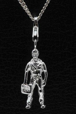 Zilveren (Huis)arts hanger én bedel