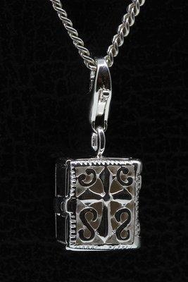 Zilveren Bijbel te openen 3 hanger én bedel