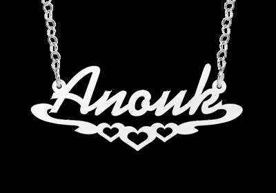 """Zilveren Naamketting """"Anouk"""" met hartjes"""