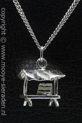 Zilveren Marktkraam ketting hanger