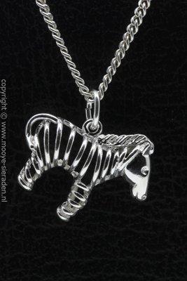 Zilveren Zebra opengewerkt ketting hanger