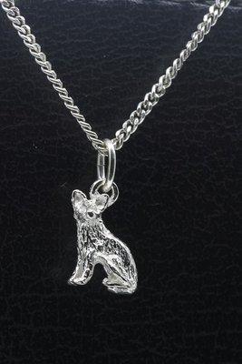 Zilveren Kat korthaar zittend klein ketting hanger