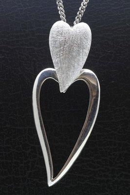 Zilveren Hart dubbel mat-glans beweegbaar ketting hanger