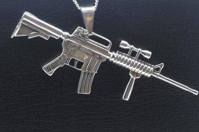 Zilveren Machinegeweer XL ketting hanger