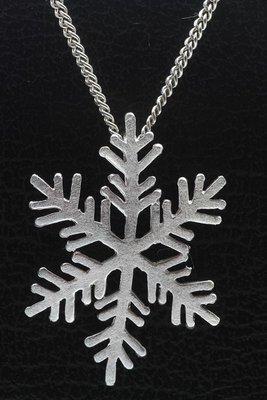 Zilveren Sneeuwvlok mat ketting hanger