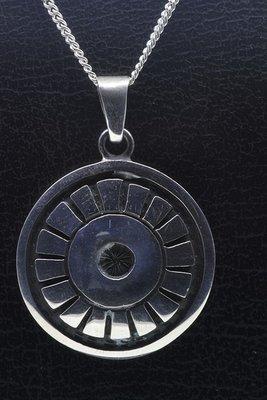 Zilveren Keltische zon rond ketting hanger