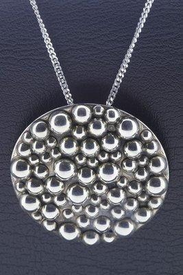 Zilveren Rond met bolletjes design XL ketting hanger