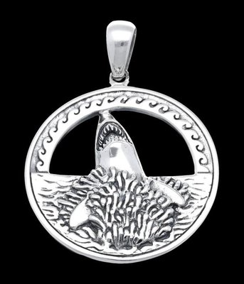 Zilveren Haai springt uit het water kettinghanger