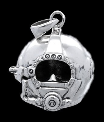 Zilveren Duikhelm  kettinghanger