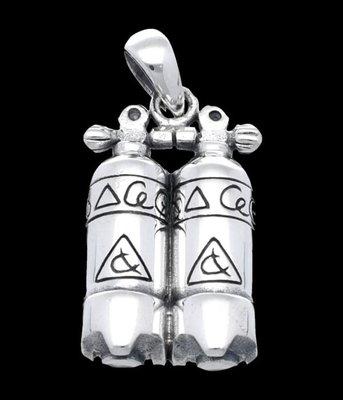 Zilveren Duikfles dubbel 10 kettinghanger