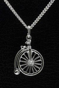 Zilveren Velocipede fiets ketting hanger - antiek