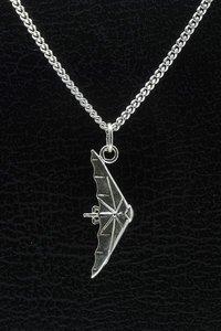 Zilveren Deltavlieger ketting hanger
